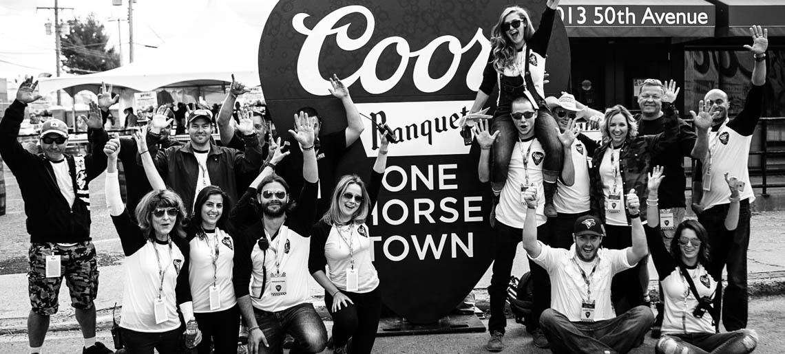 coors-banquet-one-horse-town-2